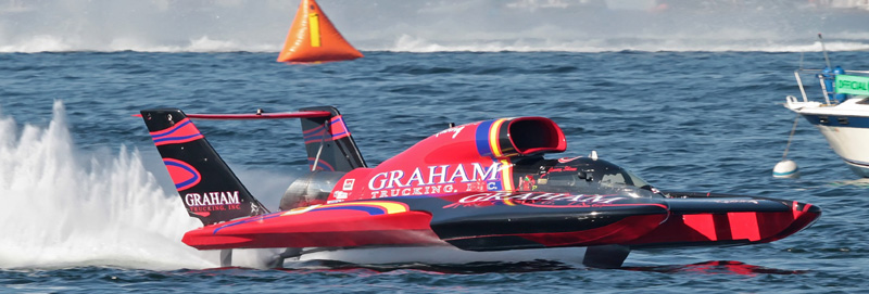 Jimmy Shane flies 5 Graham Trucking to Seafair Victory.  Photo by Chris Denslow – H1