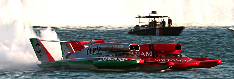 Jimmy Shane and J. Michael Kelly battle in the Final Heat of the Oryx Cup UIM World Championship